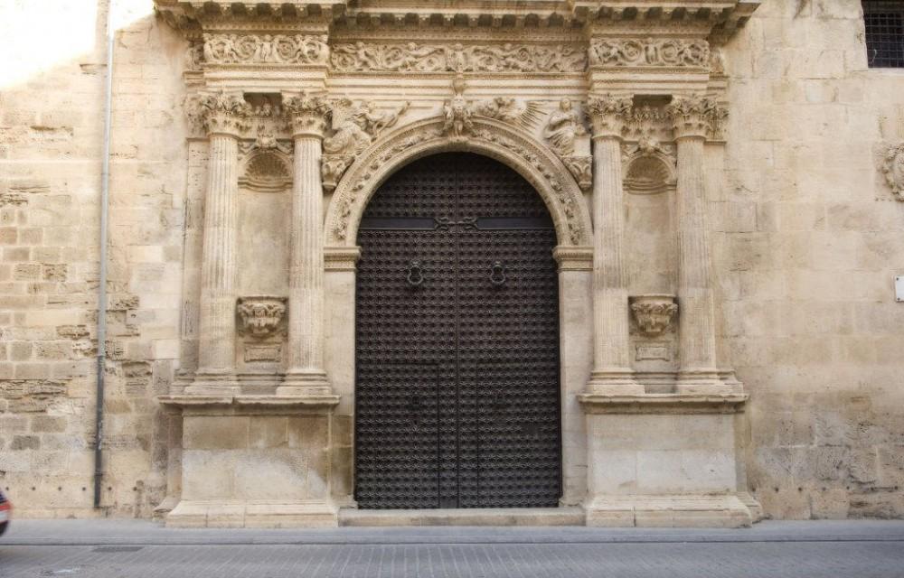 costa blanca orihuela puerta elegante de la catedral