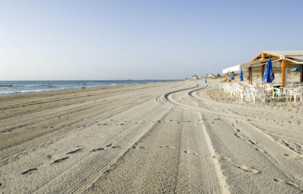 costa blanca pilar de la horadada chiringuito de playa y arena