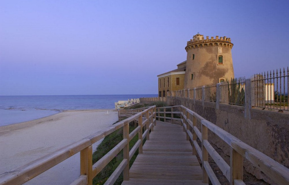 costa blanca pilar de la horadada playa de la torre puente de madera