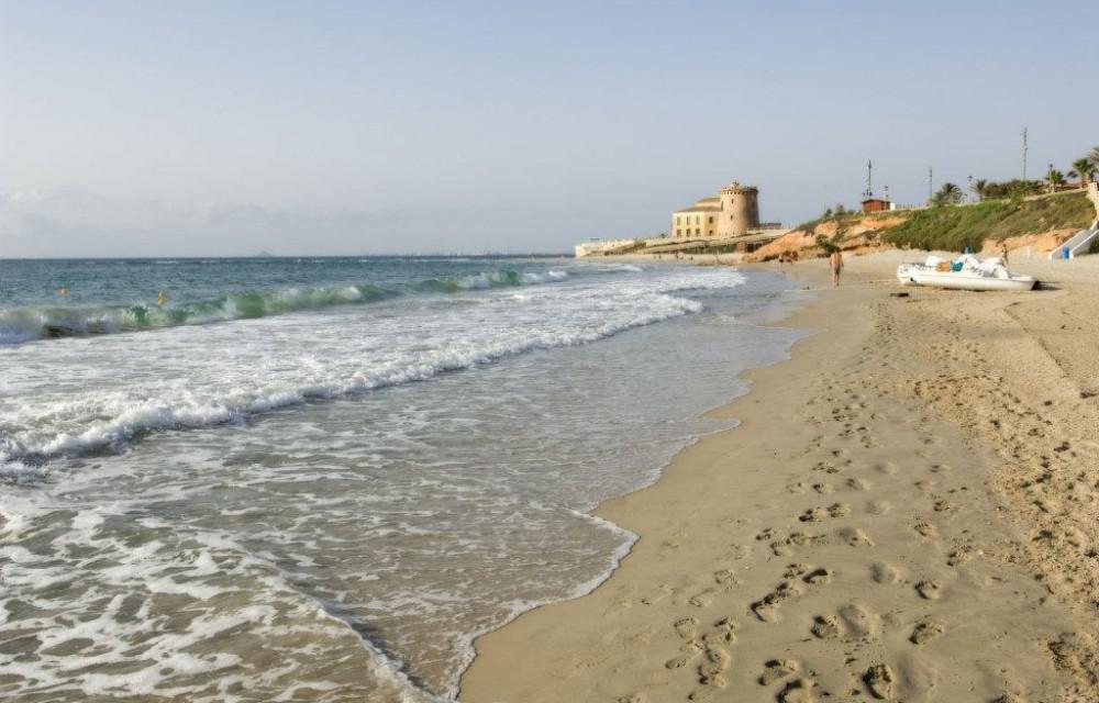 costa blanca pilar de la horadada playa del conde orilla del mar
