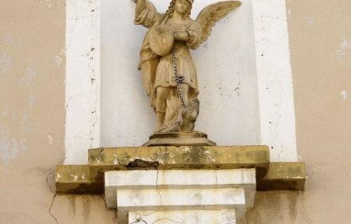 COSTA BLANCA LA VEGA BAJA SAN MIGUEL DE SALINAS Figura de San Jorge en la Iglesia de la localidad