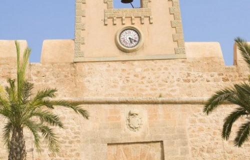 costa blanca santa pola castillo reloj y entrada principal