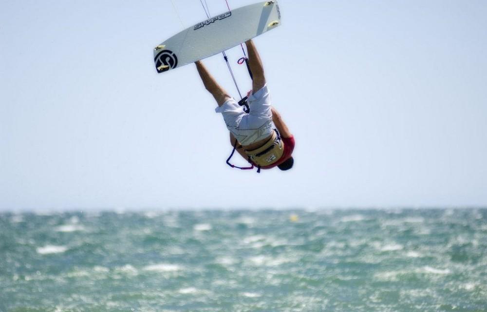 costa blanca santa pola kitesurf voltereta acrobatica