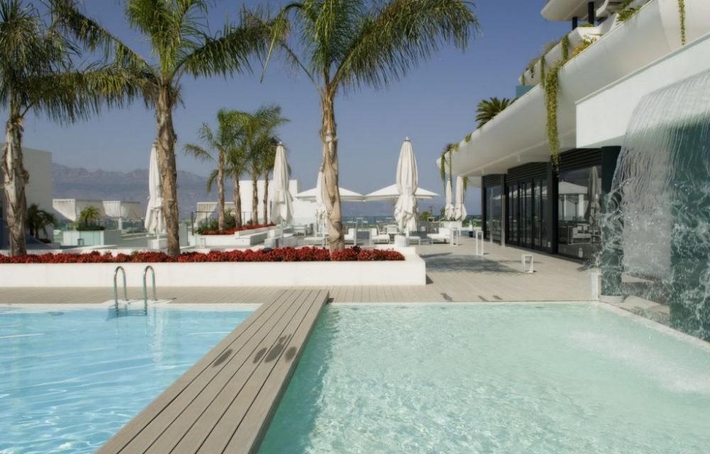 costa blanca sha wellness piscina y blanca terraza