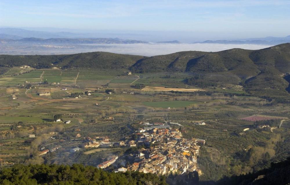 costa blanca sierra mariola agres panoramica del pueblo