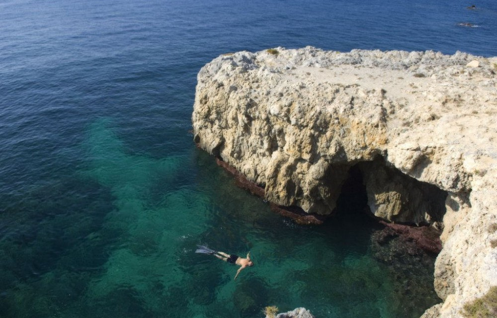costa blanca tabarca buceo en aguas cristalinas