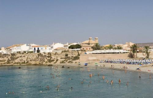 costa blanca tabarca playa llena de bañistas