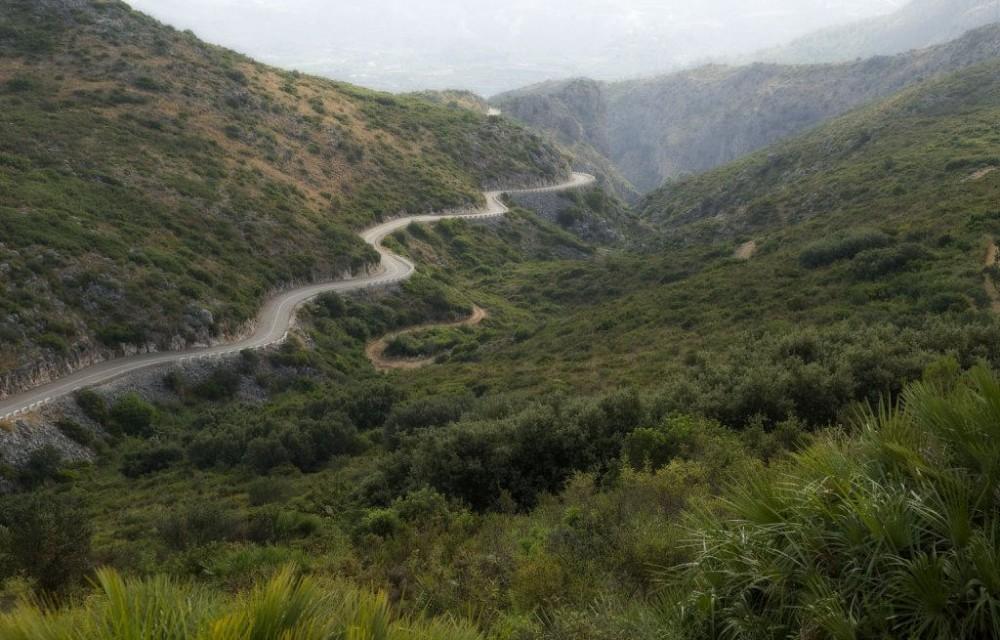 costa blanca vall debo carretera en la montana