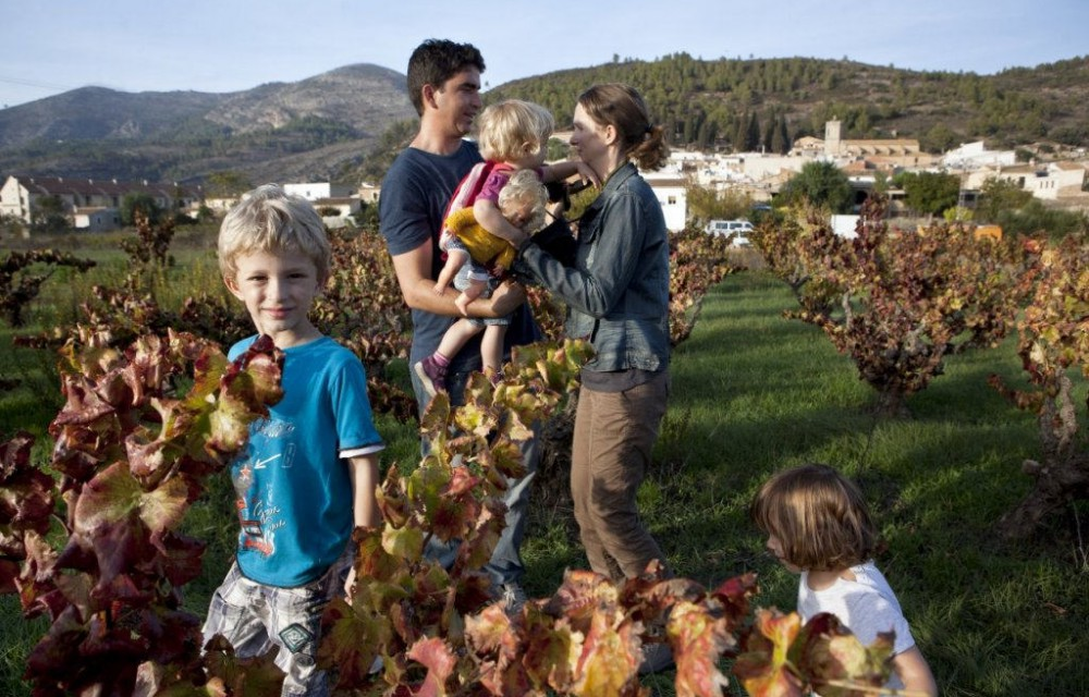 costa blanca valle del pop familia disfrutando del campo
