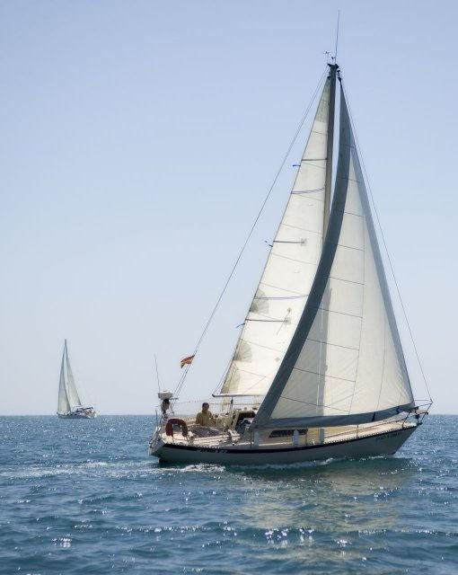 costa blanca vela velero grande en el mar
