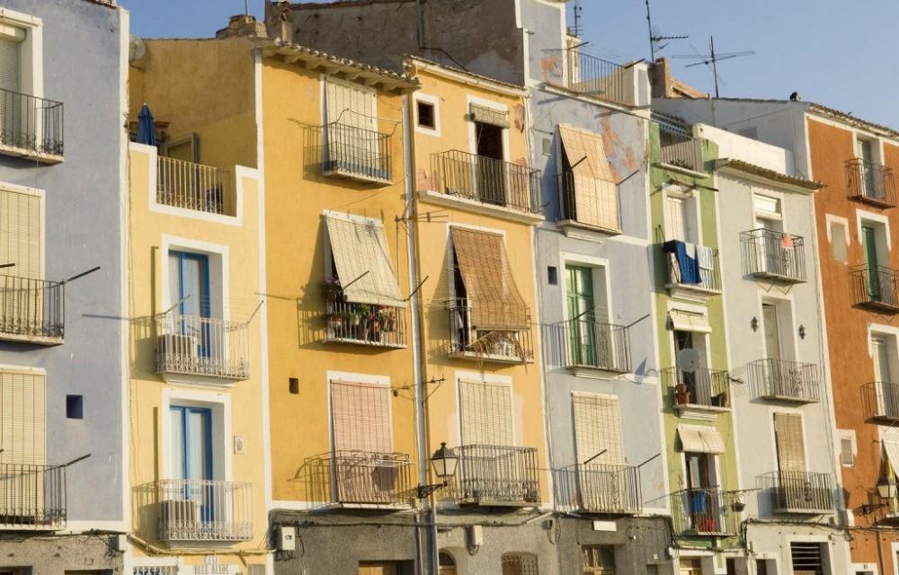 costa blanca villajoyosa amanecer en las fachadas del pueblo