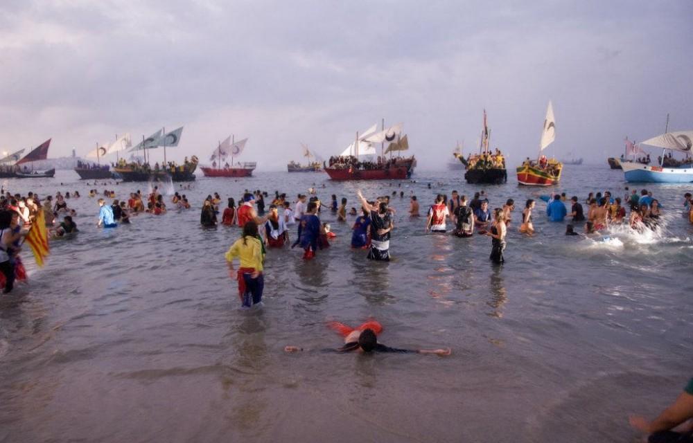 costa blanca villajoyosa desembarco de moros y cristianos