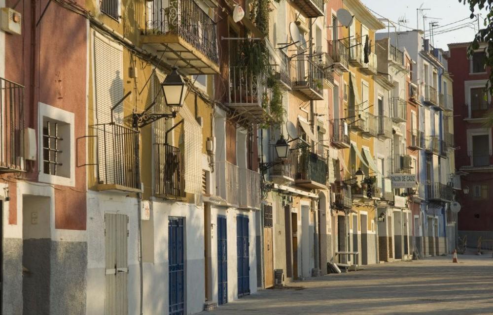 costa blanca villajoyosa fachadas de las casas del pueblo
