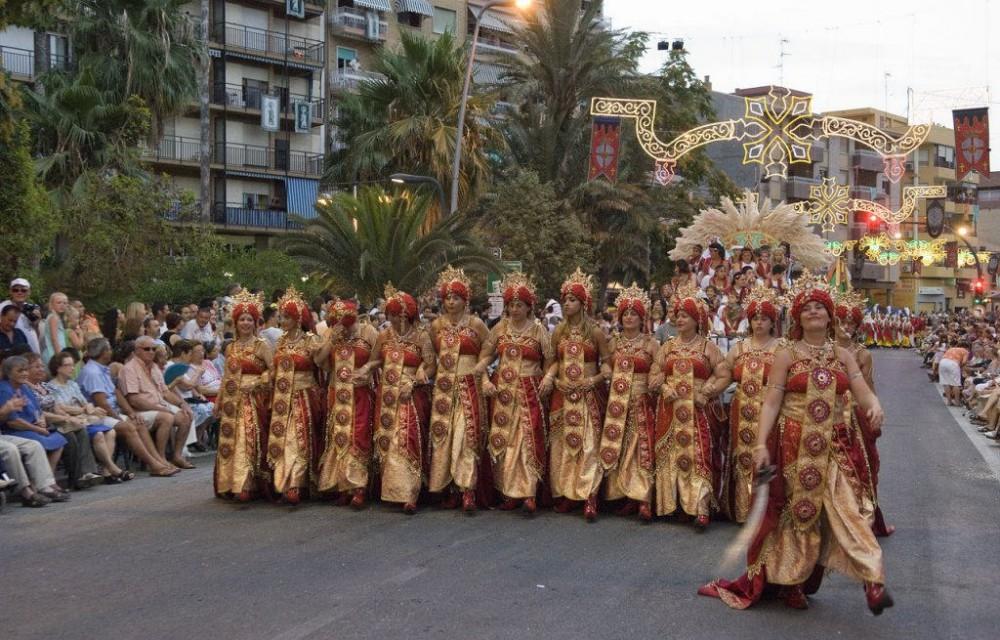 costa blanca villajoyosa moros y cristianos parte del desfile