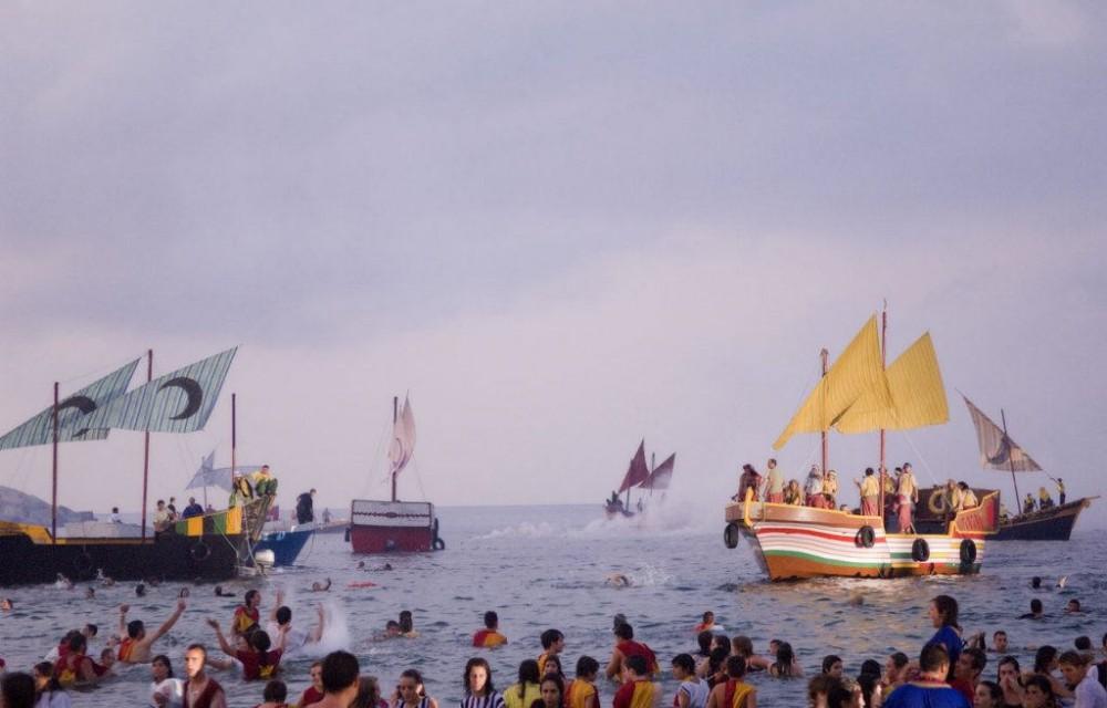 costa blanca villajoyosa tradicional desembarco moros y cristianos